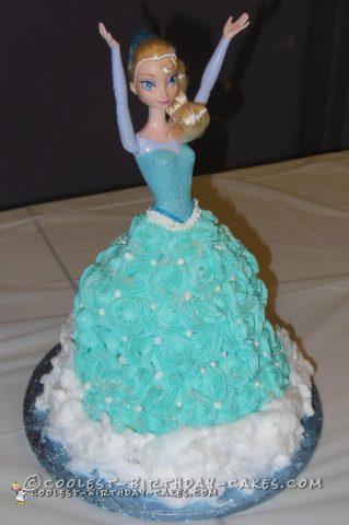 Coolest Frozen Queen Elsa Cake