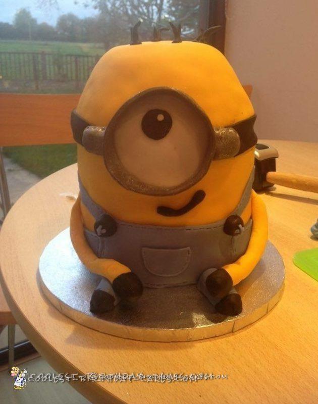 Magnificent Minion Birthday Cake