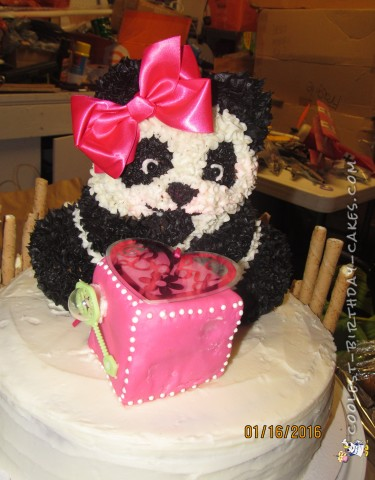 Adding the details to the Panda cake