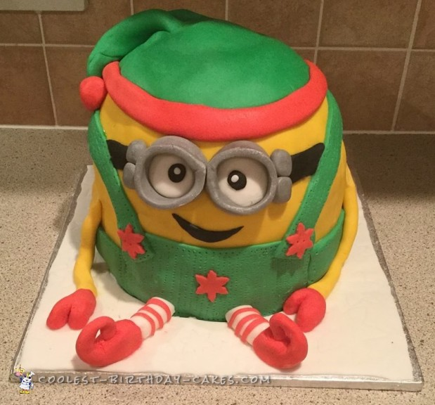 Awesome Christmas Minion Cake