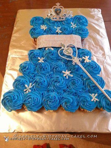 Coolest Frozen Pull Apart Cupcake Birthday Cake