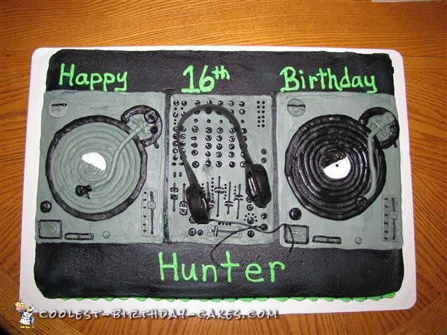 Coolest DJ Cake Ever