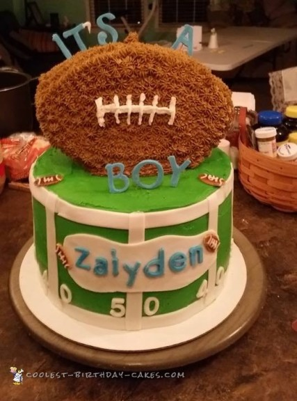 Cool Football Field Cake