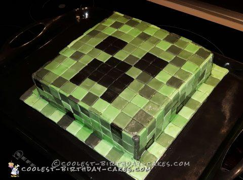 Cool Minecraft Creeper DIY Cake