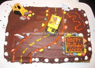 construction-birthday-cake-32-21334974.jpg