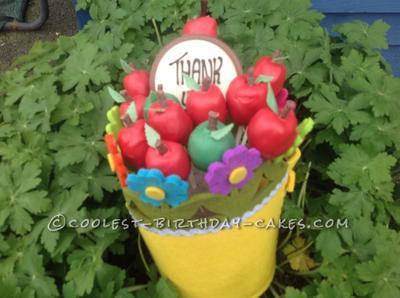 coolest-apple-cake-pops-21772413.jpg
