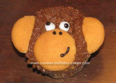 coolest-banana-monkey-face-cupcakes-9-21379602.jpg