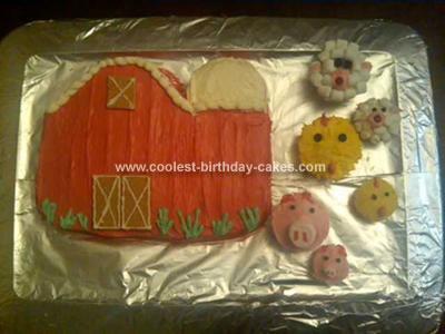 Homemade Barnyard Cake with Animal Cupcakes