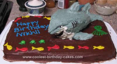 coolest-bruce-the-shark-cake-3-21470024.jpg