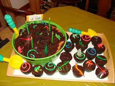 Groovy Coolest Bucket Of Bugs Dirt Cake Funny Birthday Cards Online Alyptdamsfinfo