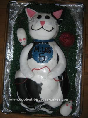 Homemade Cat and Mouse Cake