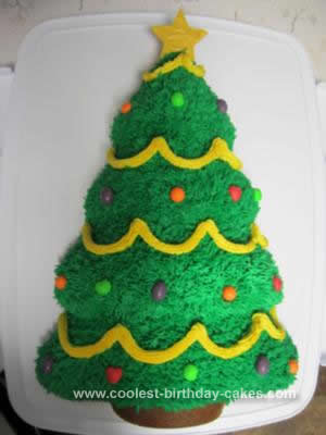 Cute Homemade Christmas Tree Cake