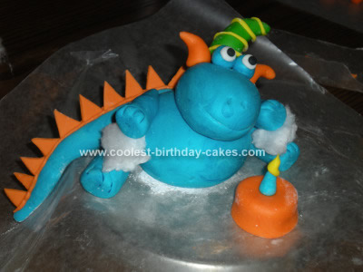 coolest-cute-monster-cake-idea-11-21379137.jpg