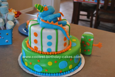 coolest-cute-monster-cake-idea-11-21379139.jpg