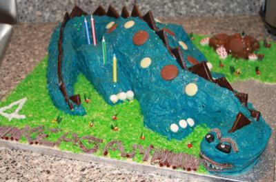coolest-dinosaur-stegosaurus-cake-86-21334246.jpg