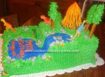Homemade  Dinosaur Theme Cake Idea
