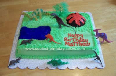 Homemade Dinosaur Theme Cake Idea