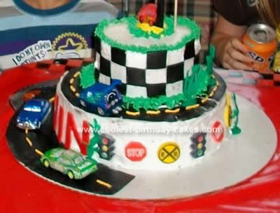coolest-disney-cars-cake-39-21389402.jpg