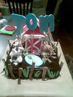 Homemade Farmyard Cake
