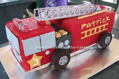Awesome Homemade Fire Truck Cake With Chocolate Ladder