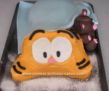 Homemade Garfield Cake