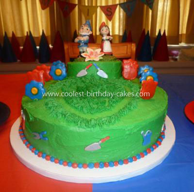 Coolest Gnomeo and Juliet Birthday Cake