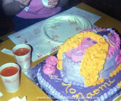 Homemade Goldilocks Birthday Cake
