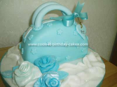 coolest-handbag-birthday-cake-78-21397340.jpg