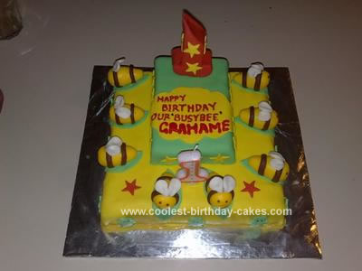 coolest-homemade-bees-birthday-cake-20-21354116.jpg