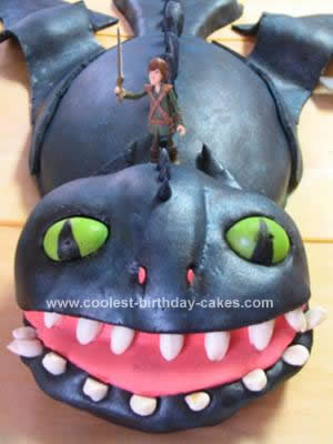 Wondrous Coolest How To Train Your Dragon Birthday Cake Personalised Birthday Cards Veneteletsinfo