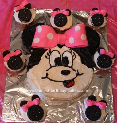 coolest-minnie-mouse-birthday-cupcakes-and-cake-97-21641852.jpg