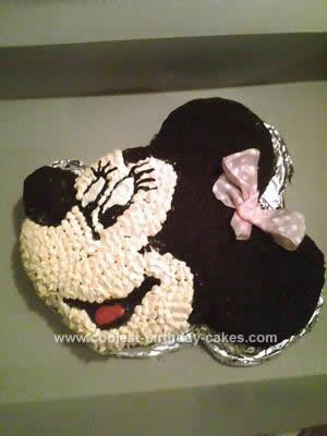 HomemadeMinnie Mouse Cake