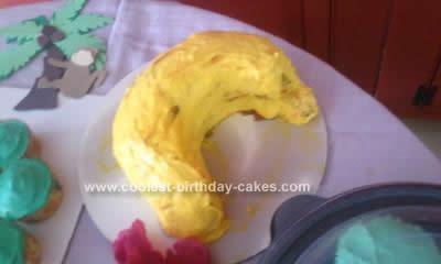 coolest-monkey-birthday-cake-design-80-21380862.jpg