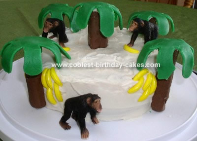 Monkeys with Bananas Cake