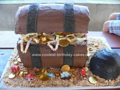 Homemade Pirate Treasure Chest Cake Design