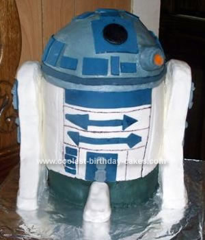 Homemade R2D2 Cake