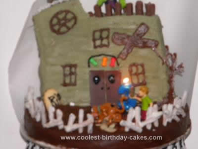 Coolest Scooby Doo Haunted House Cake