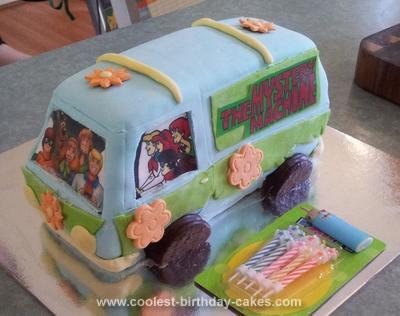 Homemade Scooby Doo Mystery Machine 3D Van Cake