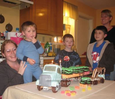 coolest-semi-truck-birthday-cake-12-21325630.jpg