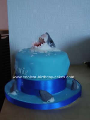 coolest-shark-picture-birthday-cake-37-21396100.jpg