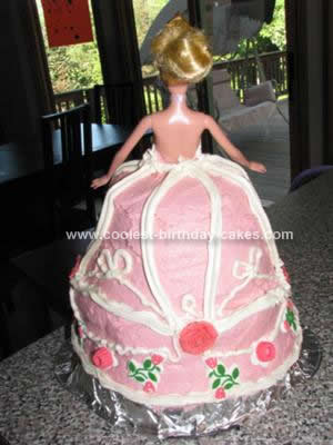 coolest-sleeping-beauty-birthday-cake-9-21383361.jpg