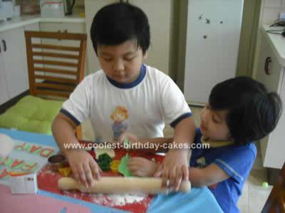 coolest-super-dad-cake-13-21391922.jpg
