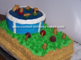 Pool Cake With Teddies