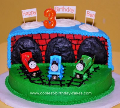 Wondrous Coolest Thomas The Train Birthday Cake Design Funny Birthday Cards Online Fluifree Goldxyz