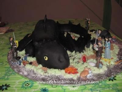 HomemadeToothless Dragon Cake