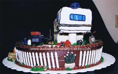 coolest-travel-trailer-retirement-cake-7-21370194.jpg