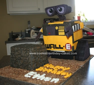 Homemade Wall E and Cube Birthday Cake