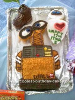 Homemade Wall-e and Eve Birthday Cake Idea