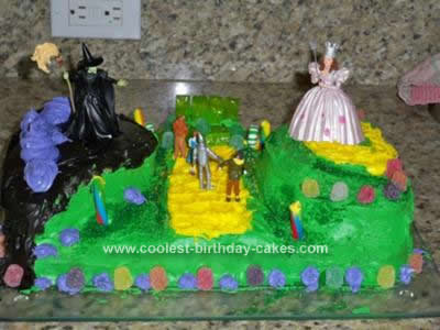 Homemade Wizard of Oz All Character Cake