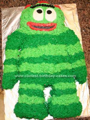Homemade Yo Gabba Gabba Brobee Birthday Cake